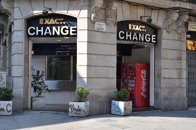 ¿Conviene llevar dólares o pesos a Buenos Aires Argentina?