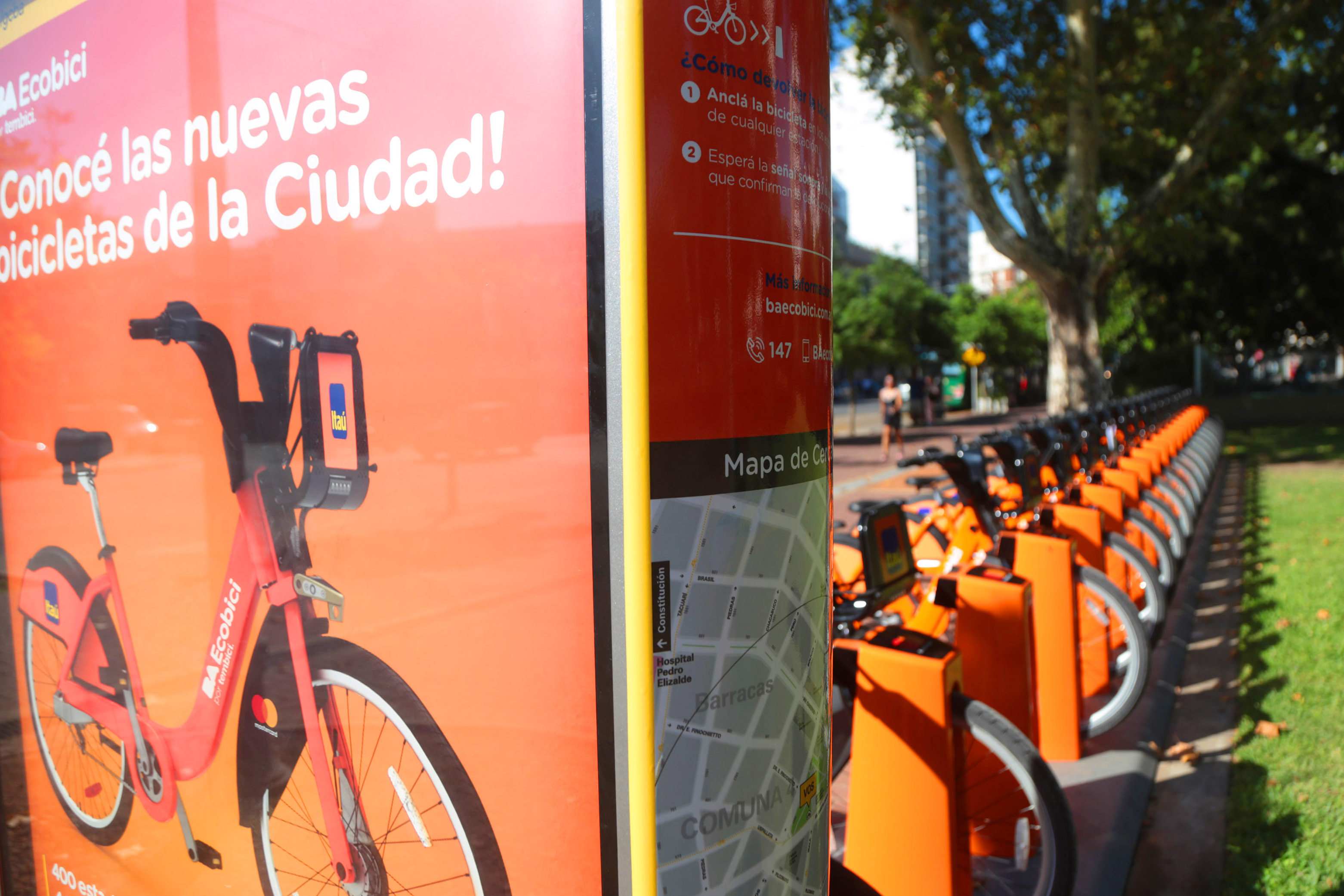 How works the free public bicycles system in Buenos Aires?